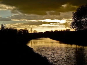 Sunset_over_The_Kennet_Avon_Canal
